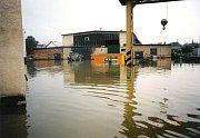 Situace v Ústředních dílnách MND v Hodoníně při a po povodni 1997.