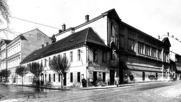 Divadlo na Veveří v roce 1934.