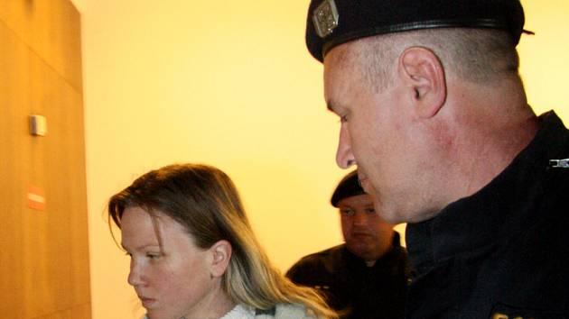 Klara Mauerová u brněnského soudu