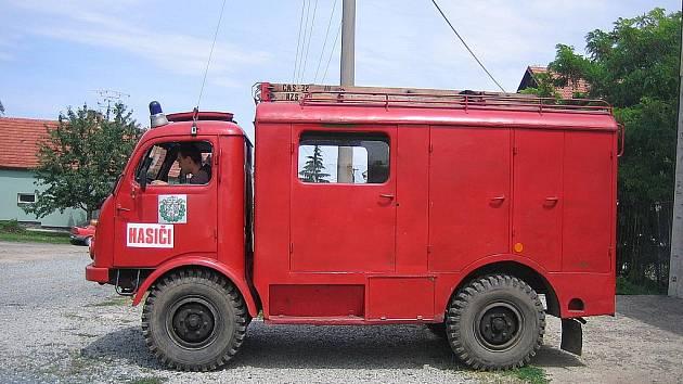 Chloubou sboru veterán Tatra 805 z roku 1957