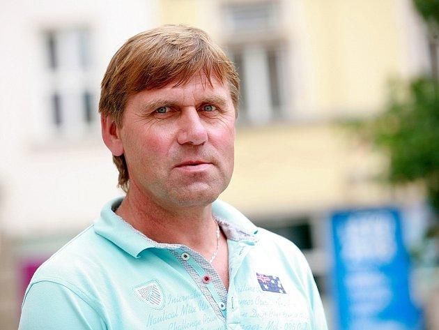 Bývalý obránce fotbalové Zbrojovky Stanislav Schwarz se do klubu dostal po netradičním debaklu. Brno krátce vedl i jako hlavní trenér.