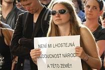 Ani Brňané se nechtějí smířit s kroky premiéra Nečase. Společně tak v ulicích Brna podpořili odvolaného ministra Pospíšila.