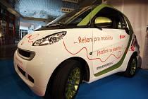 Společnost E.ON ve čtvrtek v Brně představila skútry, které pohání elektřina.
