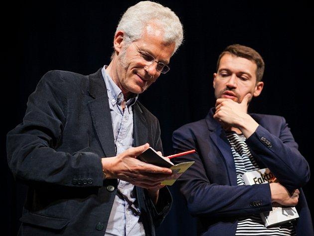 Lukáš Hejlík (vpravo) a Stephen Clarke.