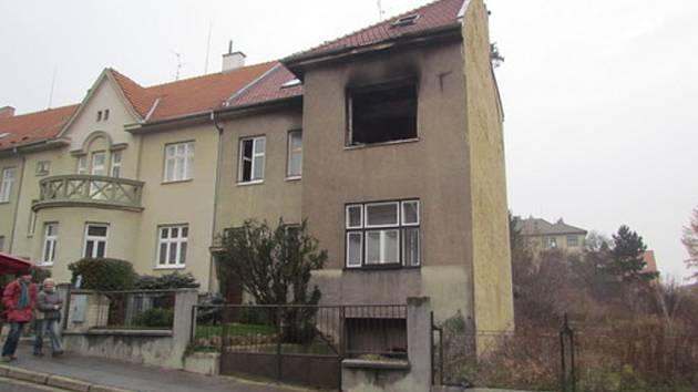 V noci na středu vyhořel v rodinném domě jeden z pokojů.