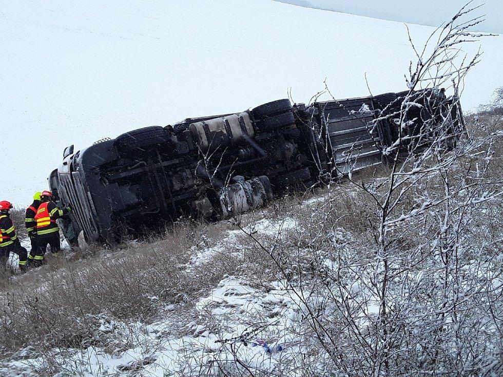 Nehoda kamionu na dálnici D1.