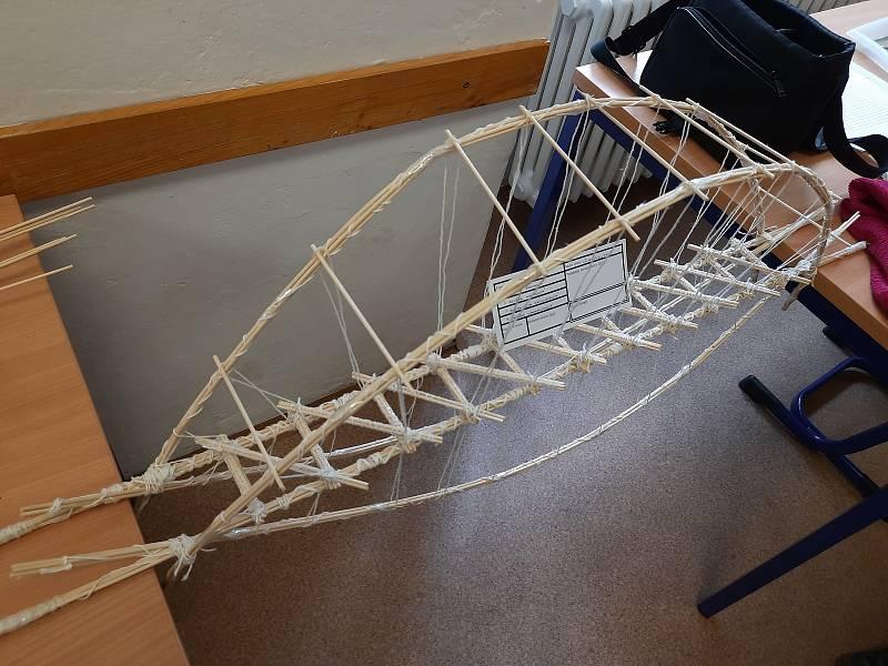 Soutěž Mosty ze špejlí