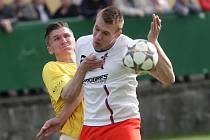 Fotbalista Miroslav Král (v bílém).