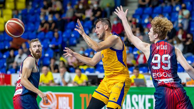 V minulé sezoně skončil jeden ze vzájemných zápasů BK Opava - Basket Brno 93:71