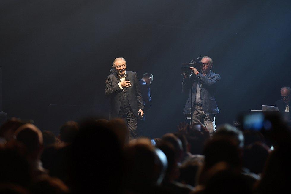 Brno 9.3.2019 - koncert Karla Gotta v brněnské DRFG aréně