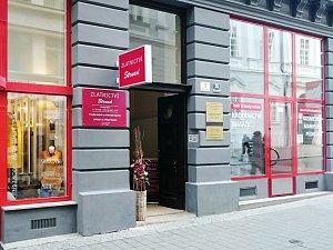 Přepadli zlatnictví v centru Brna. Policie spustila pátrání po dvojici mužů