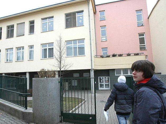 Medlánecká základní škola v ulici Hudcova.