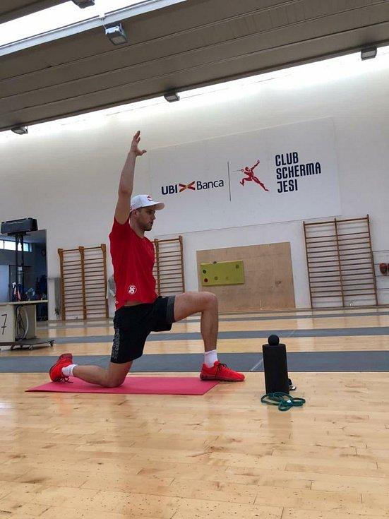 Rozcvička je základ každého tréninku.
