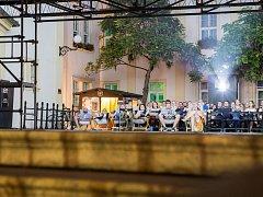 Organizátoři Letního kina Brno-střed zahájí promítání devětadvacátého června již v osm hodin večer.
