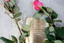 Svůj kámen ve čtvrtek dostal také někdejší brněnský starosta Karel Tomeš.