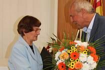 Vedení Vranovic opět oceňovalo obyvatele za záslužný čin. Za záchranu života motorkáře získala motivační dotaci Zdenka Celnarová, za celoživotní práci pro obec ocenili Marii Duroňovou.