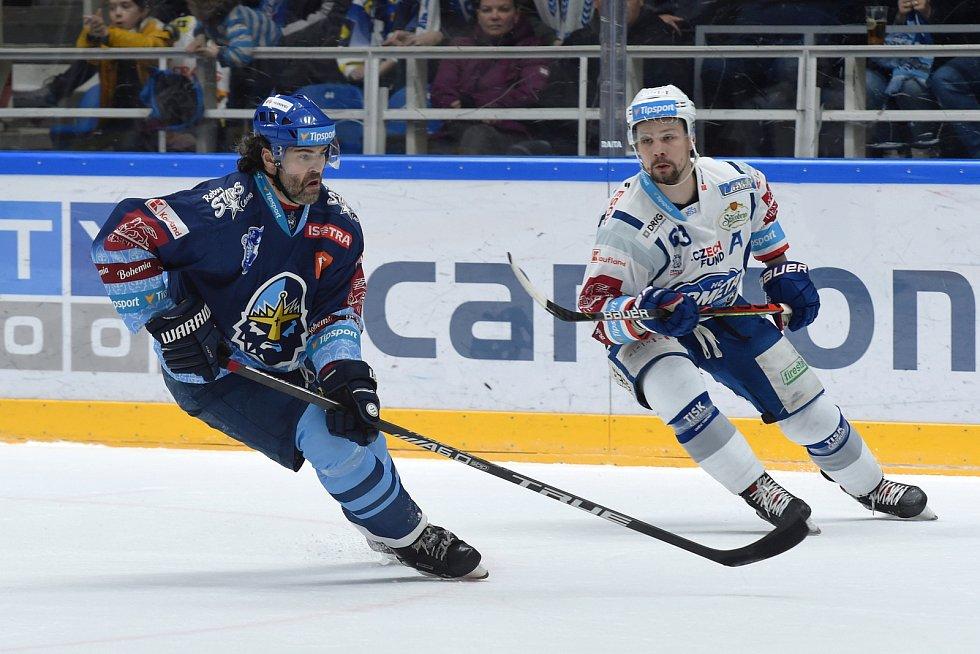 Brno 1.3.2020 - domácí HC Kometa Brno Ondřej Němec (bílá) proti Rytířům Kladno (JaromírJágr)