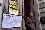 Volební okrsek v brněnské základní škole v Rašínově ulici.