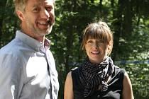 Režisér Jiří Strach začal tento týden natáčet v brněnském studiu České televize nové díly úspěšného kriminálního seriálu Labyrint. V pátek se televizní štáb přesunul do lesa mezi Jinačovicemi a Moravskými Knínicemi.