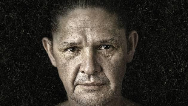 Hlavní roli Höfgena, uhrančivého svůdce i ďábelského zaprodance v jedné osobě, ztvární brněnský herec Martin Havelka.