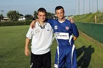 Bratři Opchalové v MSFL. Záložník Rosic Jaroslav (vlevo) a útočník Líšně Zbyněk.