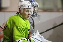 Hokejista Petr Sýkora se připravuje s hokejisty druholigové Techniky Brno, ale vyhlíží prosincový start NHL.