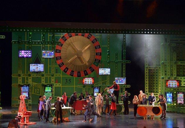 Muzikál Prodaný smích měl svoji světovou premiéru před necelými třemi roky vNěmecku.