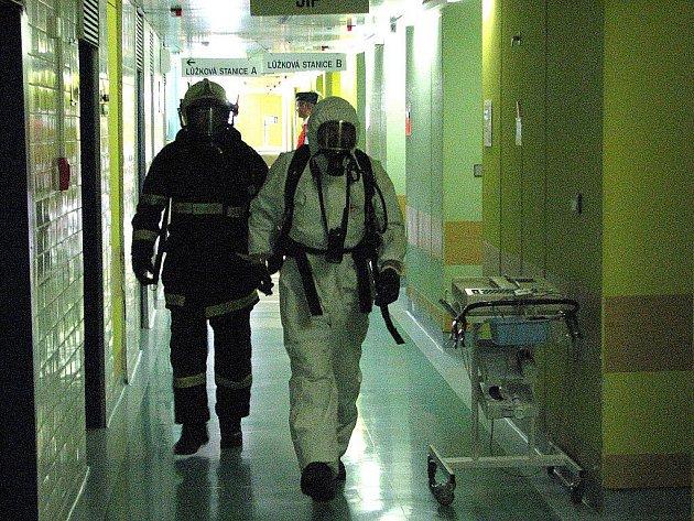 Únik chemikálií ve Fakultní nemocnici Brno.