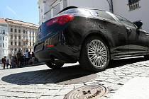 Z Dominikánského náměstí v Brně možná  zmizí auta. Město totiž plánuje zrušit parkovací místa.