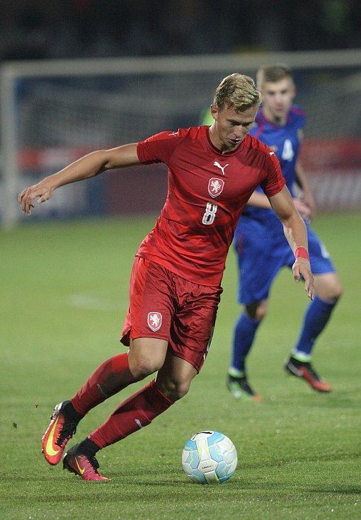 Čeští fotbalisté do 21 let porazili v závěrečném utkání kvalifikace mistrovství Evropy ve Znojmě Moldavsko 4:1.