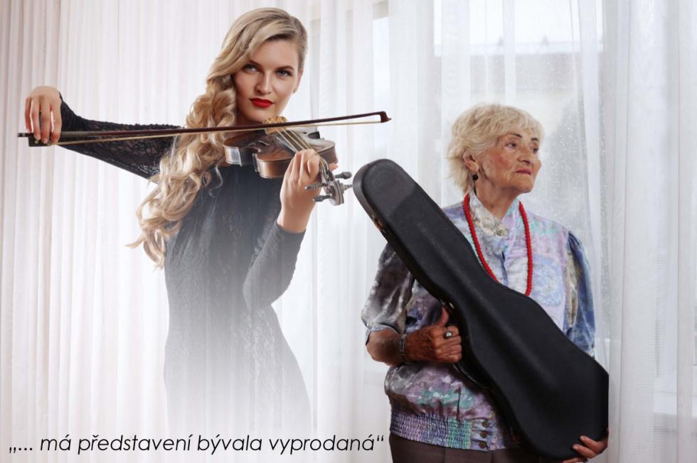 Nový charitativní kalendář na rok 2017 vydala nadace Život s demencí. Na fotografiích Václava Širce je kromě pacientů trpících Alzheimerovou chorobou z Domu seniorů Anavita v Modřicích také řada českých celebrit.