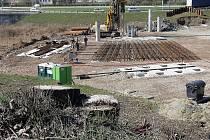 Silničáři s přípravou stavby takzvané Svitavské radiály stále pokračují.