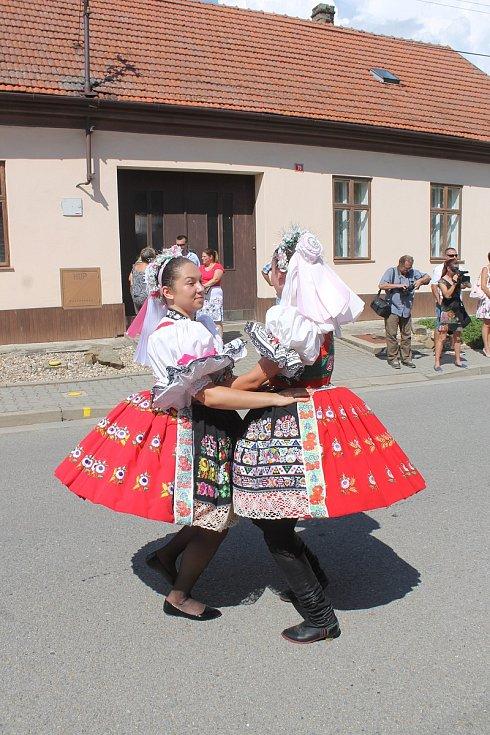 Rousínovské kroje.