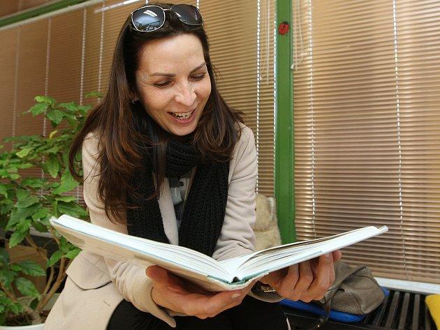 Všichni, kteří rádi čtou, měli v pondělí v bystrcké pobočce Knihovny Jiřího Mahena šanci získat drobné ceny. Jako součást akce březen-měsíc čtenářů se tam totiž konal Maraton čtení.