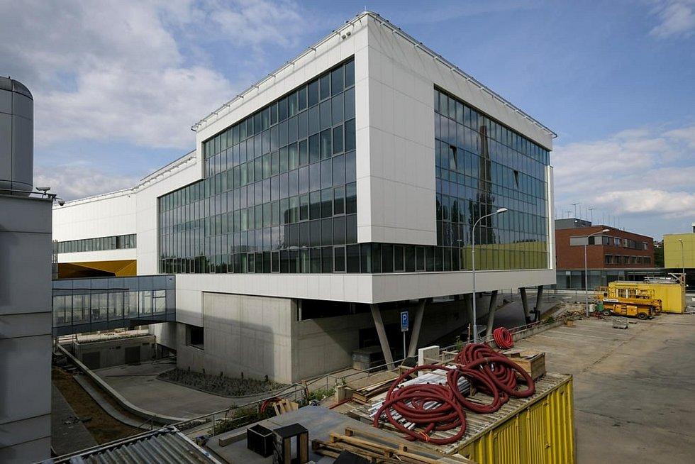 Cvičná nemocnice pro mediky v rámci univerzitního kampusu.
