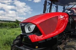 Výrobce traktorů Zetor slaví pětasedmdesátileté výročí. V České republice a na Slovensku je prodává dlouholetý zaměstnanec Miloš Šubr.