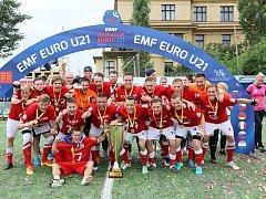 V červenci nadchli Prahu, když se na historicky prvním mistrovství Evropy v malém fotbalu do 21 let v České republice stali kontinentálními šampiony. Po čtyřech měsících se opět sejdou, aby připomněli svůj úspěch a ukázali, co umí, také na jihu Moravy.