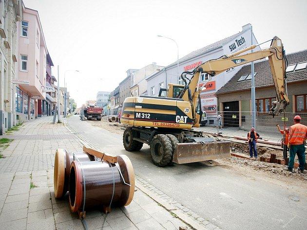Opravy ulic Minské a Horovy. Ilustrační foto.