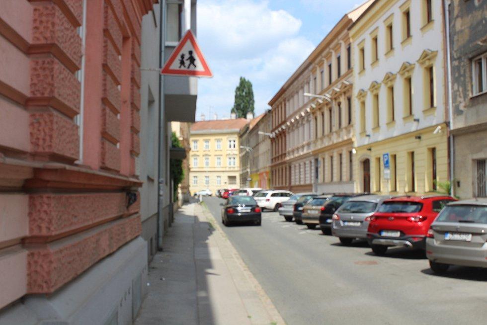 Rezidentní parkování plánují zástupci Brna-severu zavádět od příštího dubna postupně v celé městské části.