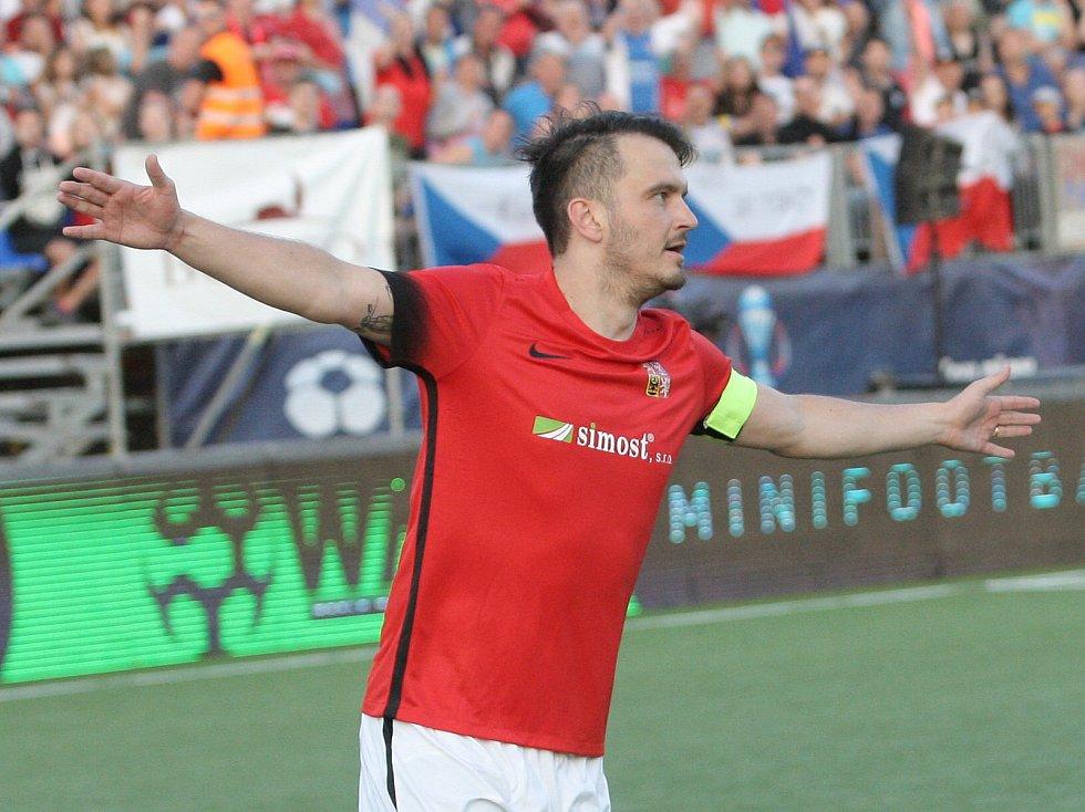 eští reprezentanti na mistrovství Evropy v malém fotbale v Brně rozstříleli Izrael 7:0.