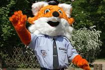 Společnou fotografií s maskotem brněnské městské policie si odnášely děti ze čtvrteční akce strážníků Empík hledá Foxíka v lužáneckém parku. Její účastníci byli vůbec prvními, kteří potkali živého maskota brněnských strážníků, lišáka Foxíka.