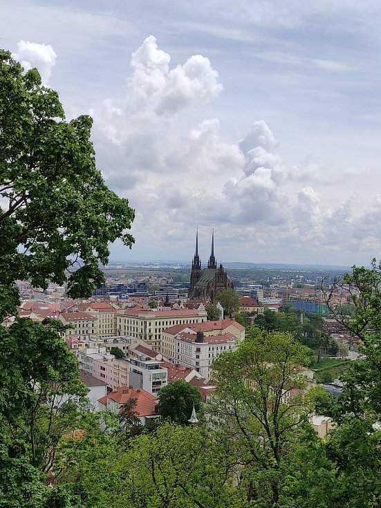 Hrad Špilberk láká k výšlapu, odměnou jsou pak výhledy na Brno.