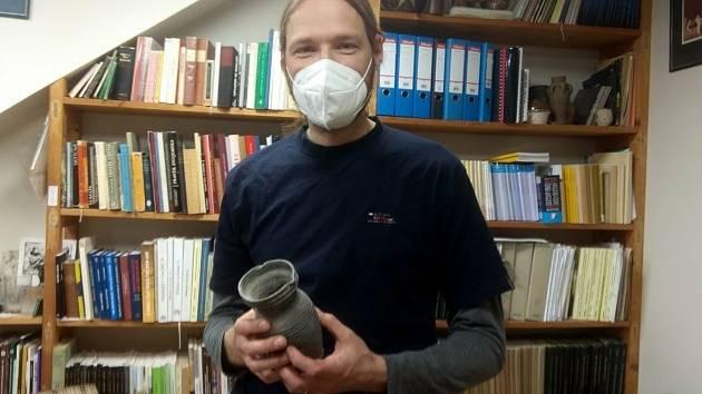 Archeolog Aleš Navrátil z Muzea města Brna.