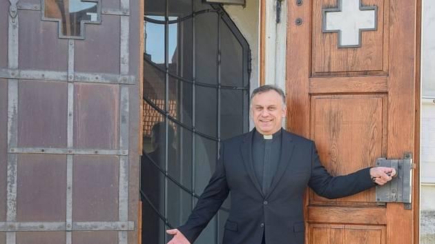 Farnost Nová Líšeň bez kostela. Do sedmi let ho postavíme, věří farář