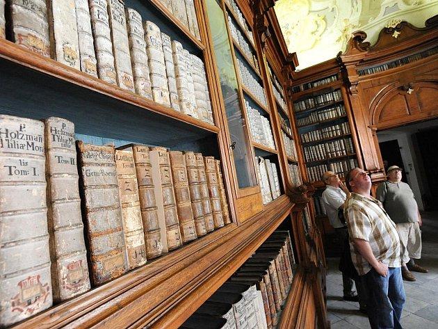 Brňané mohli v neděli navštívit kapucínskou knihovnu, která návštěvníkům není běžně dostupná.