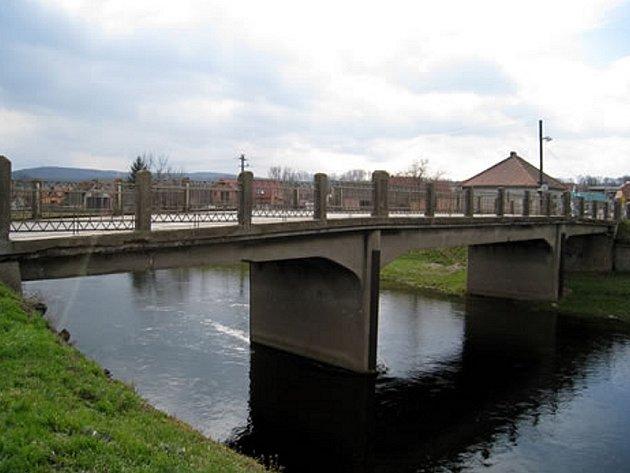 Most v Ivančicích je opravený