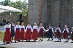 Při Řecké sobotě si lidé vychutnali typickou řeckou kuchyni, domácí pity s gyrosem, frappé a další lahůdky. Zatančit si na hradě Veveří mohli i místní tance.