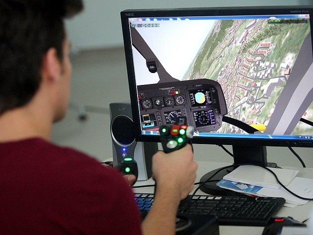 Akce Runway4you na letišti v Tuřanech přiblížila práci pilotů i řídících letového provozu.