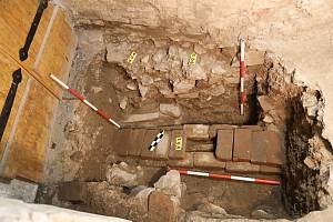 Kvůli obnově hradu archeologové zjišťovali, nakolik se dochoval historický terén.