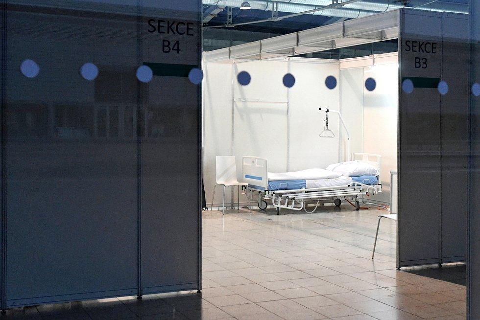 Otevření provizorní nemocnice na brněnském výstavišti v pavilonu G2.